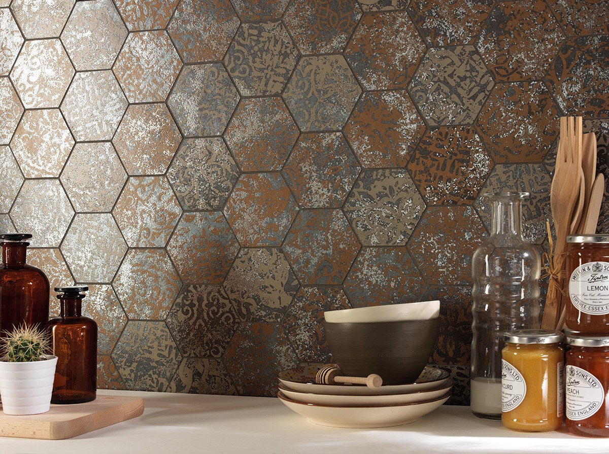 Allover Hexagon mosaico dek bronze